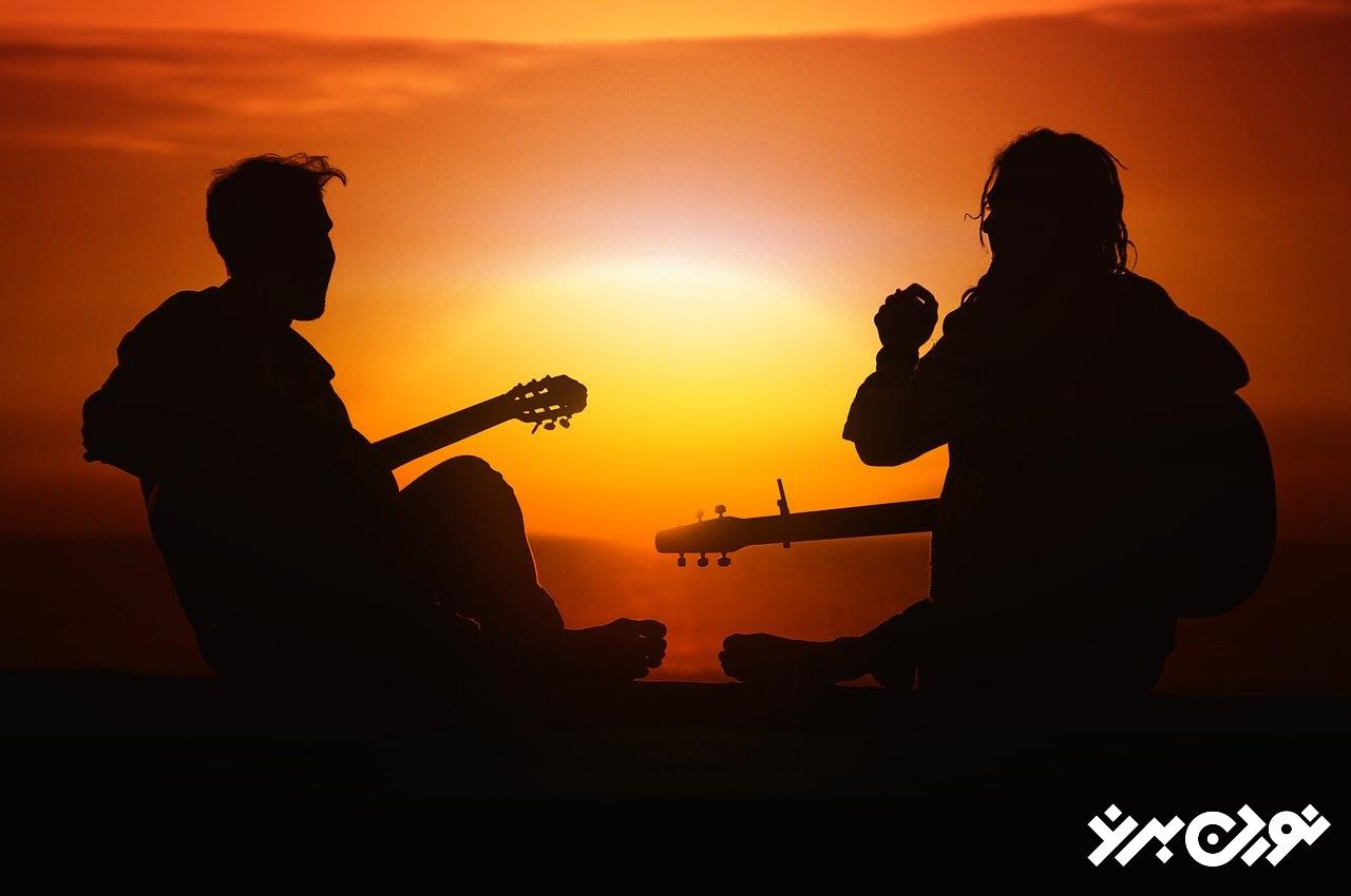 موسیقی از جمله هنرهایی که باعث بهبود سلامتی روحی میشود.
